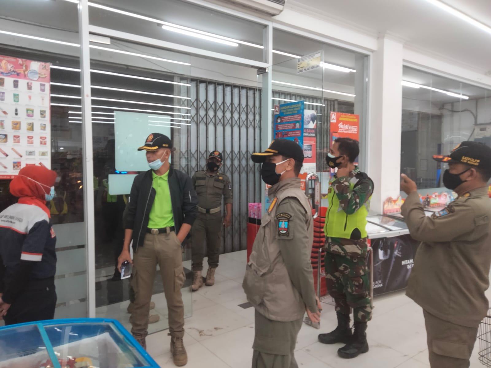 Gambar Dinilai Masih Tinggi Angka Kenaikan Covid-19, Polres Serang, TNI dan Satpol PP Menggelar Patroli Besar-besaran 9