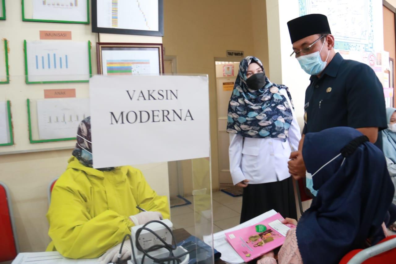 Gambar Wali Kota Cilegon Yakinkan Vaksinasi Aman Untuk Ibu Hamil 1