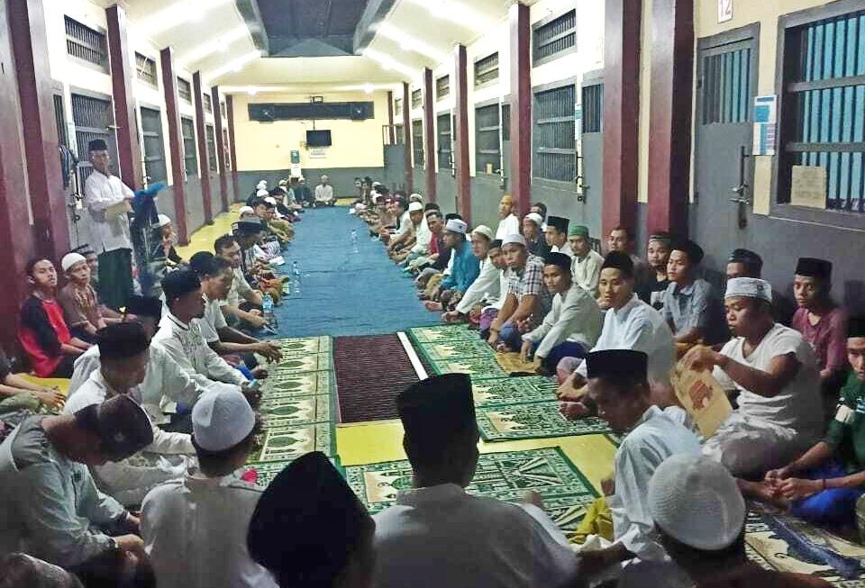 Gambar Lapas Cilegon Gelar Doa Bersama, Mendoakan WBP yang Jadi Korban Kebakaran di Lapas Tangerang 11