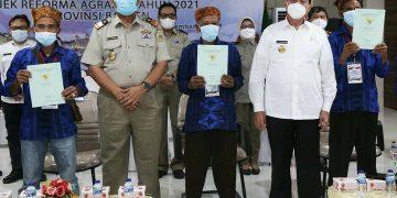 Gambar Gubernur Banten : Penyerahan Sertipikat Tanah Bentuk Perhatian Pemerintah 7