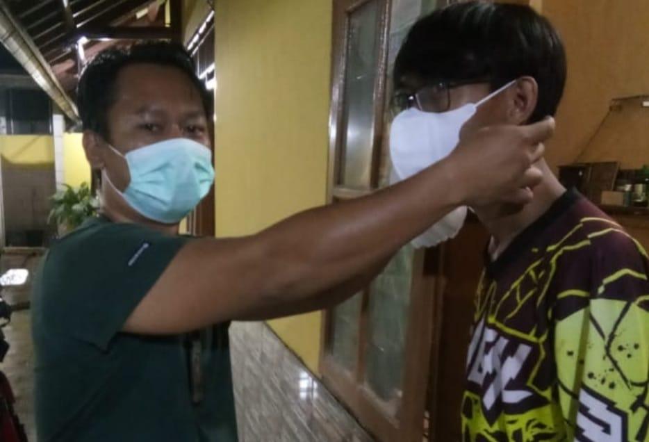 Gambar Satresbarkoba Polres Serang Kota Polda Banten Intens Penyuluhan Dan Bagikan Masker 1