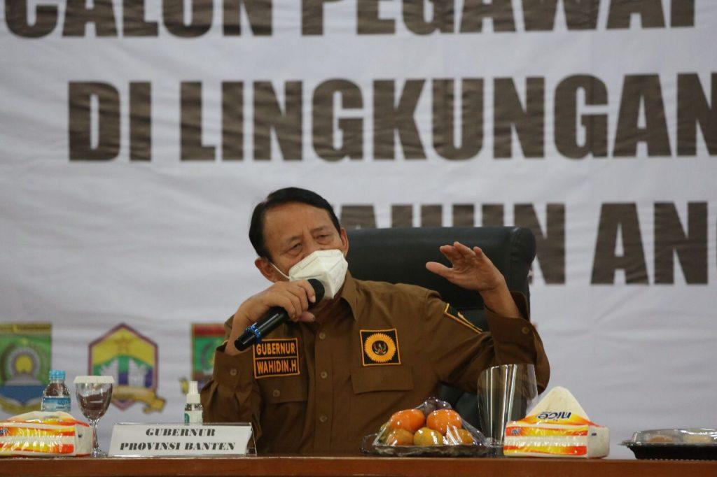 Gambar Geger Raja Angling Dharma, Gubernur WH: Biarin Nanti Juga Gerah Pake Baju Kerajaan 1