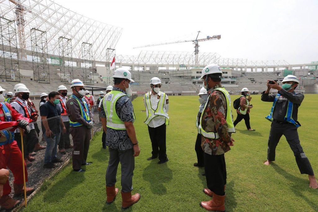 Gambar Gubernur WH dan Tim Korsup KPK Tinjau Banten International Stadium 1