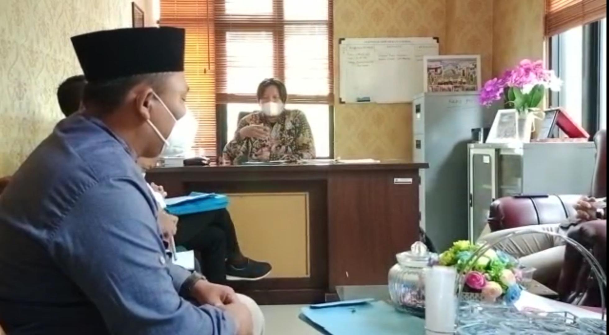 Gambar Mediator HI Disnakertrans Banten Gelar Klarifikasi Sengketa PT AHM dan 23 Cleaning Service RSUD Malingping 1