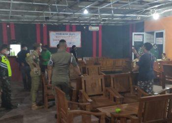 Gambar Nekad Beroperasi, Polsek Cipocok Jaya Polres Serang Kota Tutup THM Happy Day 1