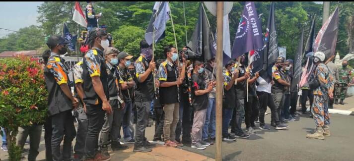 Gambar Demi Mendapatkan Keadilan, LSM GMBI Gelar Aksi Damai Datangi Kantor Bupati dan Gubernur 1