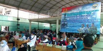 Gambar Serbuan Vaksinasi Maritim Covid-19 TNI AL Koarmada I di Ponpes Darul Falah Carenang 7
