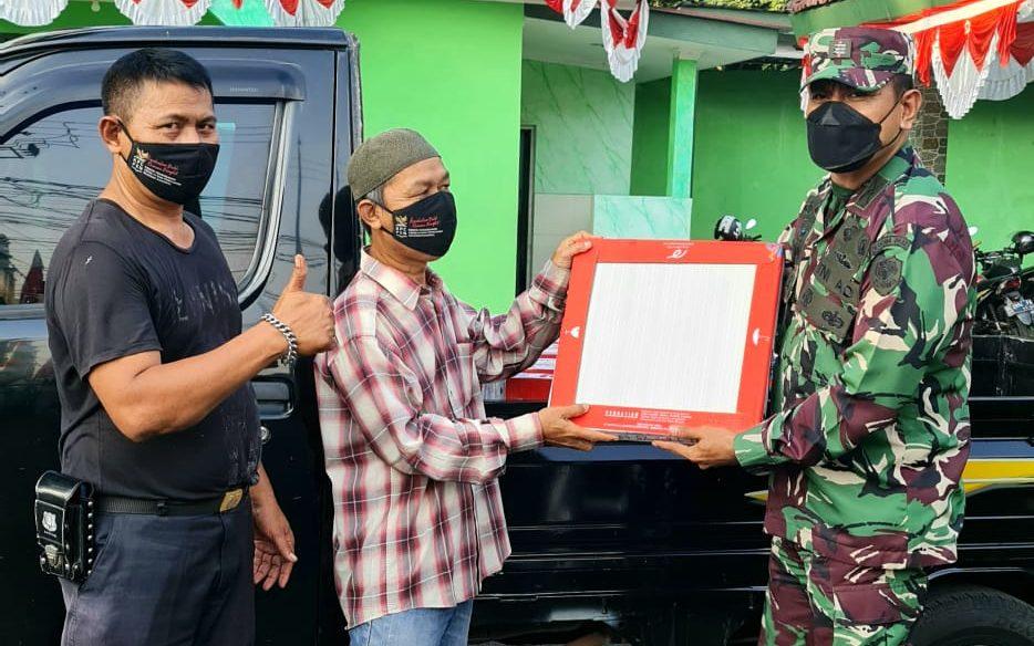 Gambar Koramil 0602-01/Kota Serang Beri Bantuan Keramik untuk Warga Lontar 1