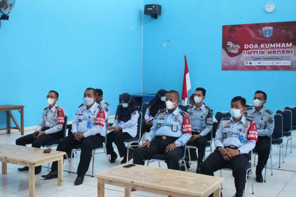 """Gambar Lapas Serang Ikuti Seminar Nasional """"Peran Kementerian Hukum dan HAM dalam Mengakselerasi Indonesia Sehat dan Pemulihan Ekonomi Nasional"""" Secara Virtual 1"""