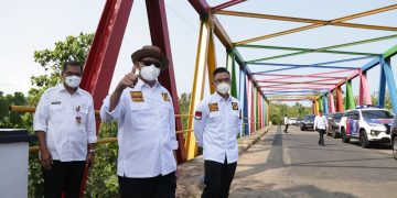 Gambar Gubernur WH : Jalan Bagus Untuk Kelancaran Aktivitas dan Perekonomian Rakyat 5