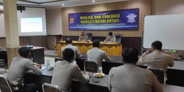 Gambar Tingkatkan Kompetensi, Wadirlantas Polda Banten Edukasi Penyidik Laka Lantas 5