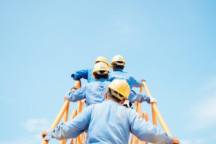Baju Seragam Kerja Bagus dan Tips atau Cara Memilihnya Untuk Perusahaan