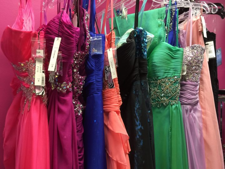 Mencari Vendor Baju Wanita dengan Kualitas dan Kepercayaan yang Tuntas