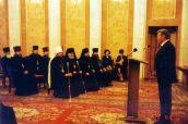 13 octombrie 2000. Înmânarea decorațiilor de stat unui grup de clerici ai Mitropoliei Moldovei.