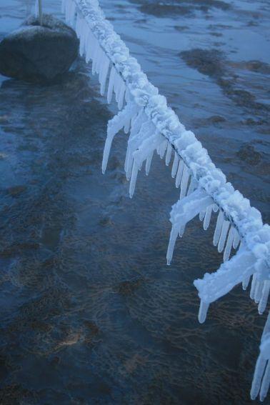 vom Wind geformte Eiszapfen