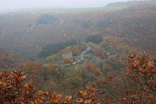 Blick vom Bundenbacher Kreuz auf die Schmidtburg