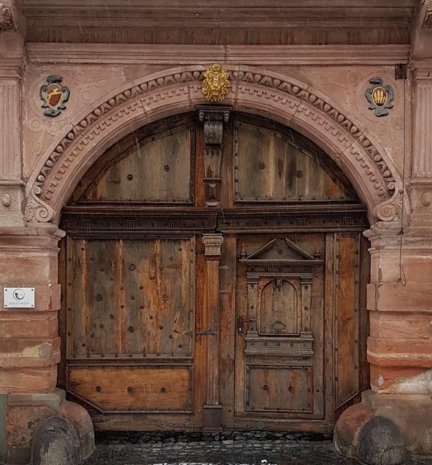 Das Tor des Bacharacher Posthofs bleibt 2018 geschlossen.