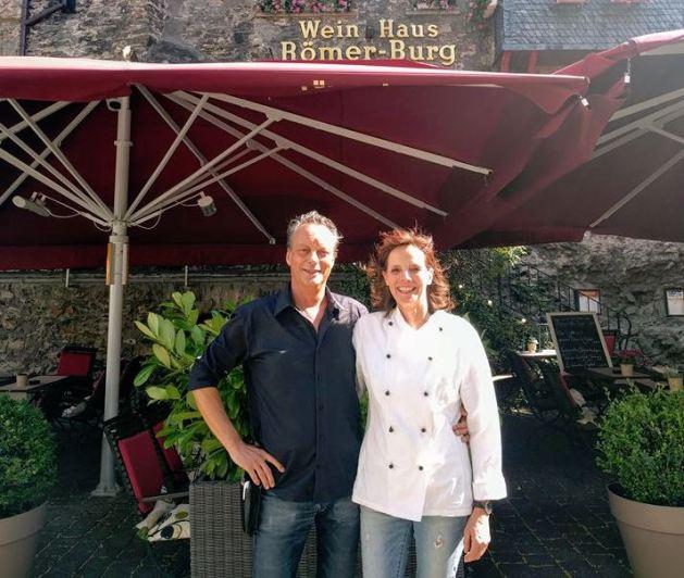 """Bernd und Marion Stahl sind die Chefs der """"Römerburg"""". Foto: Natascha Meyer."""