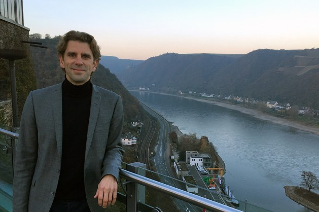 Rheinfels-Fan: Marlon Bröhr hoch über St. Goar.
