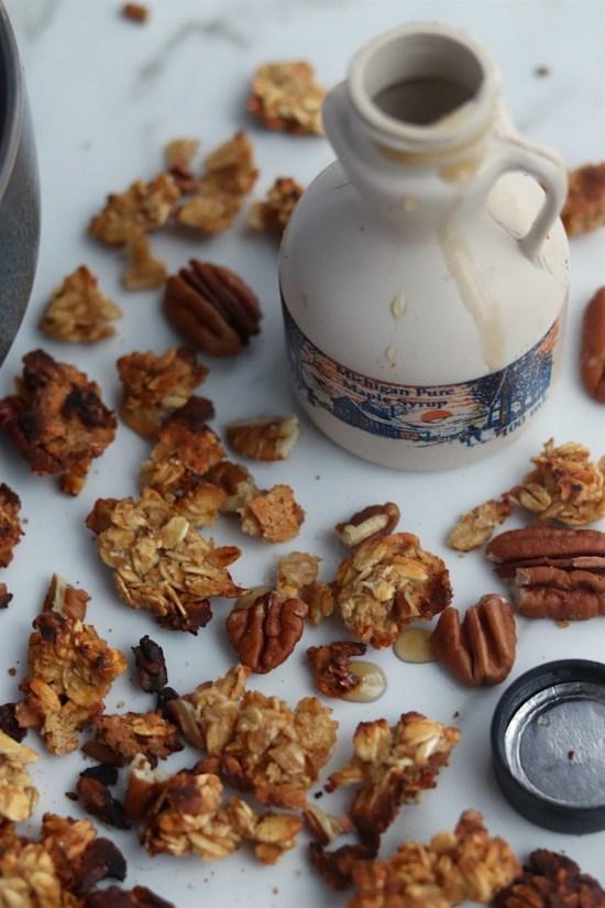 5 ingredient maple pecan granola