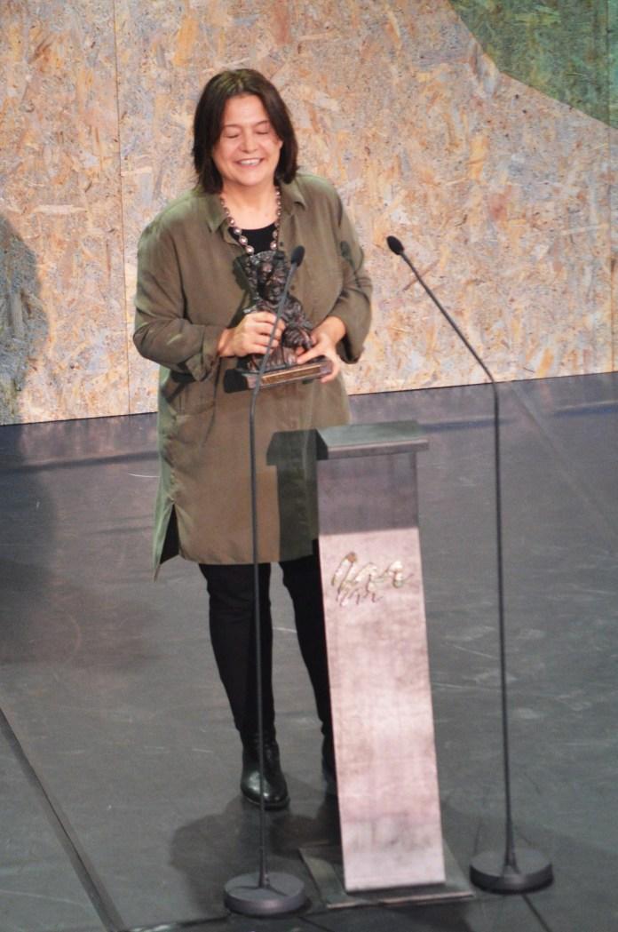 """Ana López dedica unhas palabras de agradecemento polo premio ó mellor Vestiario por """"Dalia, a modista"""""""