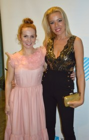 Con María Vázquez, de rosa.