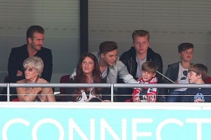 PAY-David-Beckham-and-family-watching-fa-cup-final