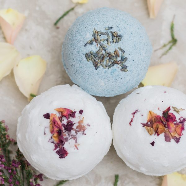 """Rich results on Google's SERP when searching for """"organic bath bombs"""" 3 bath bombs with natural ingredients of lavender, vanilla, bergamot, rose, rose petals, geranium and relaxing scents, white bath bomb and floral bath bomb with indigo"""