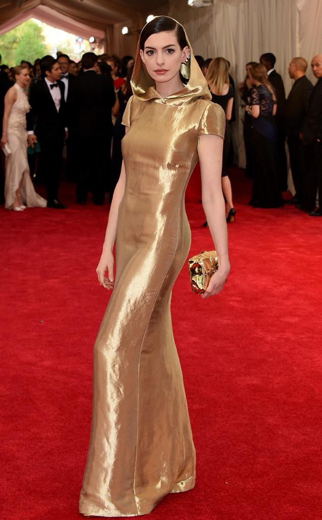 Anne Hathaway baile met 2015