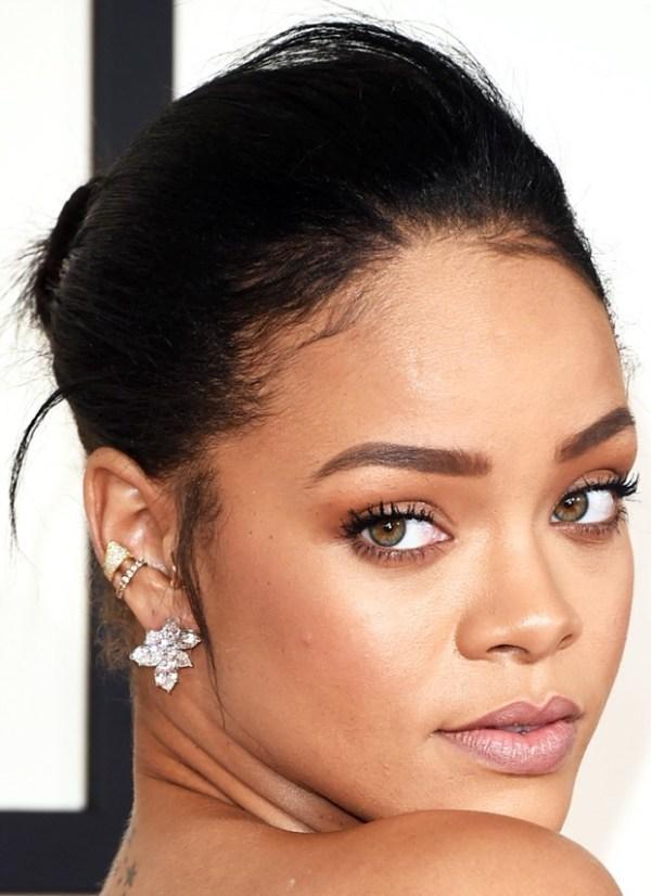 Maquiagem das famosas tapete vermelho red carpet Rihanna
