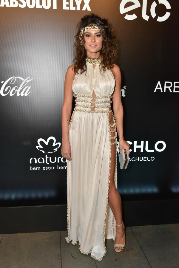 look thaila ayala baile da vogue 2016