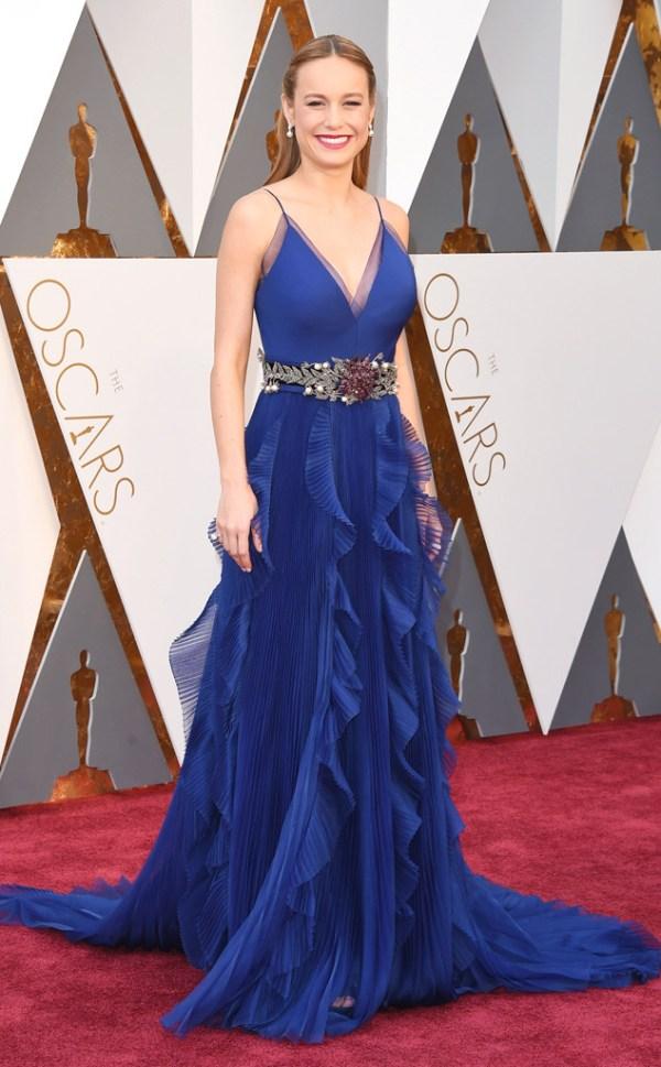 look Brie Larson tapete vermelho oscar 2016