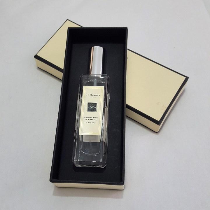 perfume-english-pear-and-fresia-jo-malone