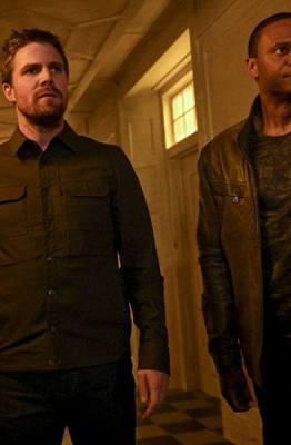 Imagem do episódio 8x02 de Arrow