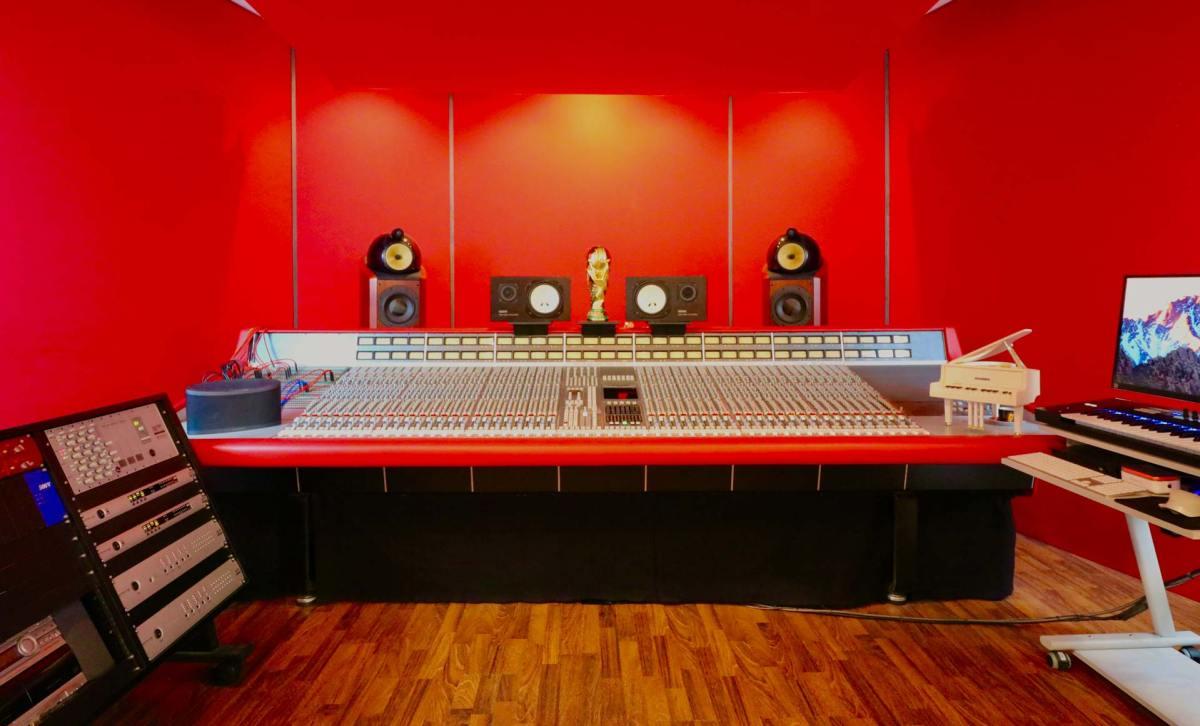 SSL 4000G recording studio