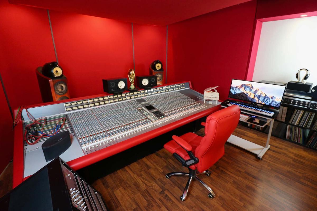 SSL 4000G Studio Red Leather Trim
