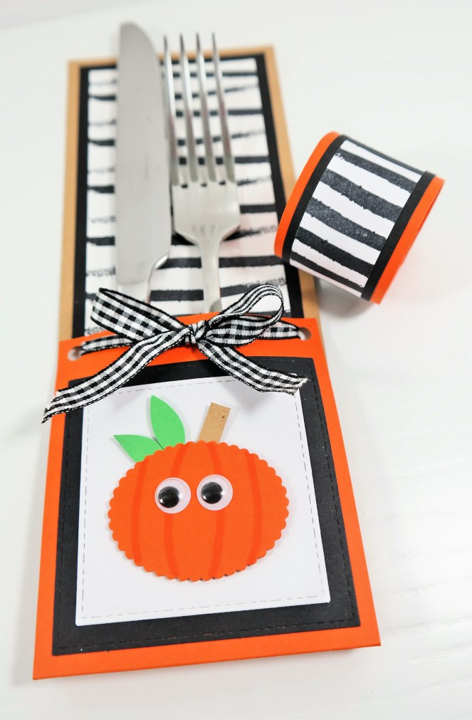 Halloween Cutlery Holder & Matching Napkins