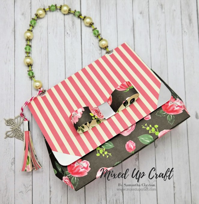 Adorable Mini Faceted Handbag with Bead Handle