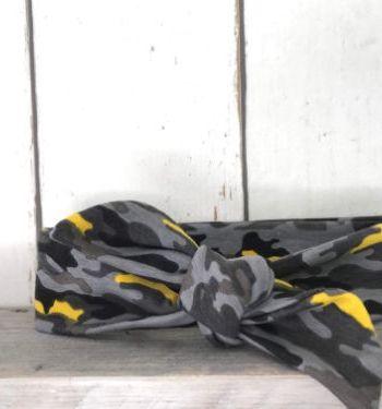 Haarbandje met grijs/gele legerprint