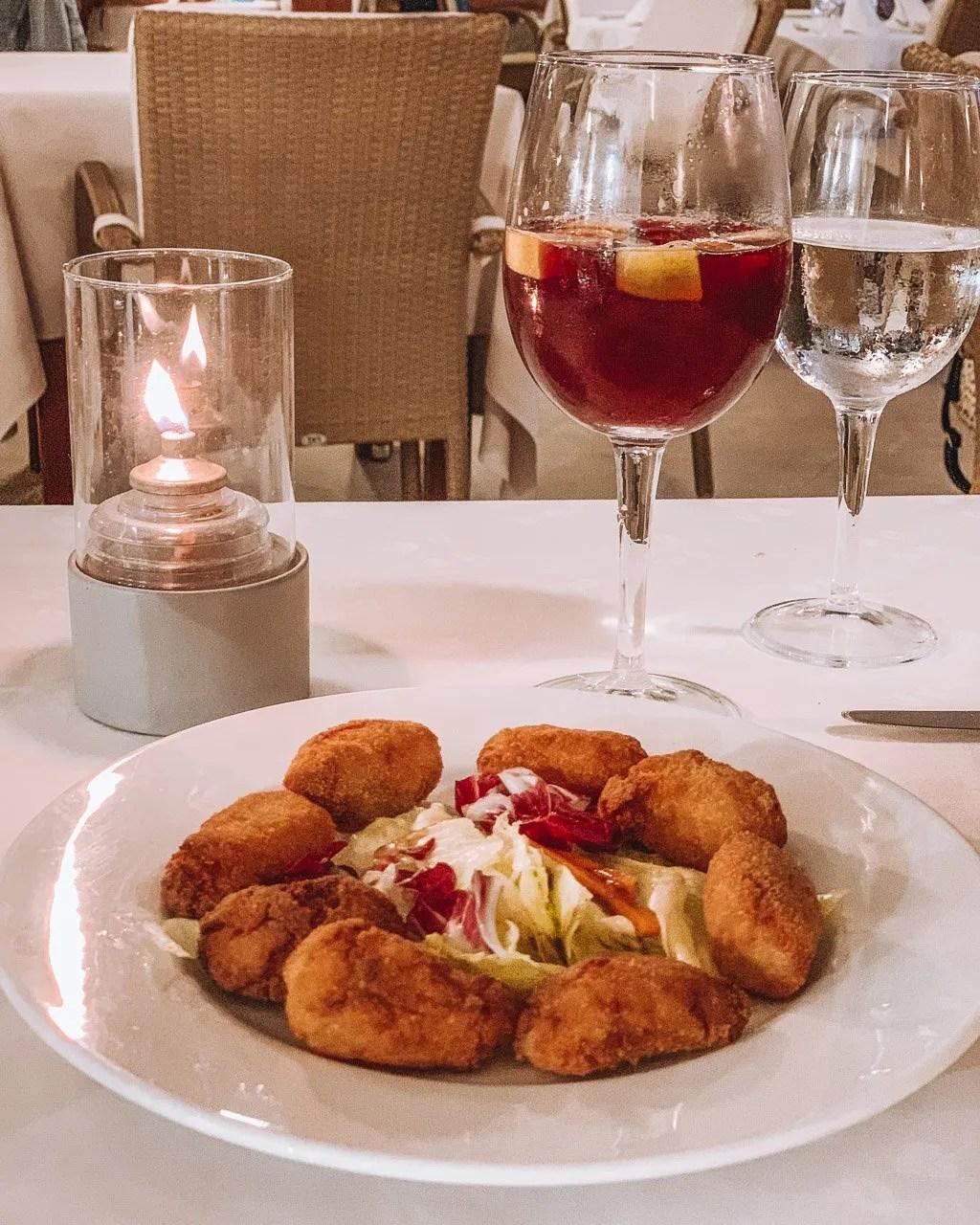Restaurante Botavara, Best restaurant in Mallorca, Restaurant Mallorca, Restaurant cala d'or, Shrimp croquette