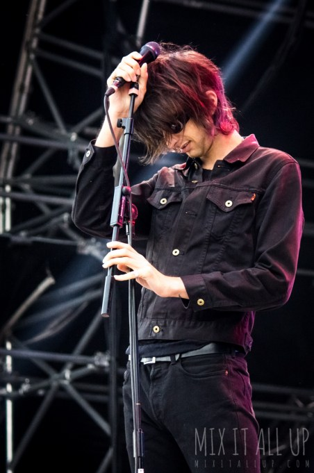 The Horrors live at Victorious Festival 2016