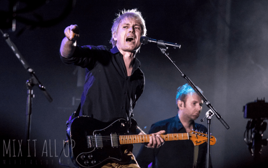 Franz Ferdinand live at Victorious Festival 2017