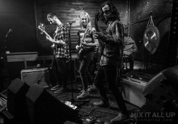 Lobster Pot live at the Edge of the Wedge, Portsmouth - 04/04/19 | Mix It All Up