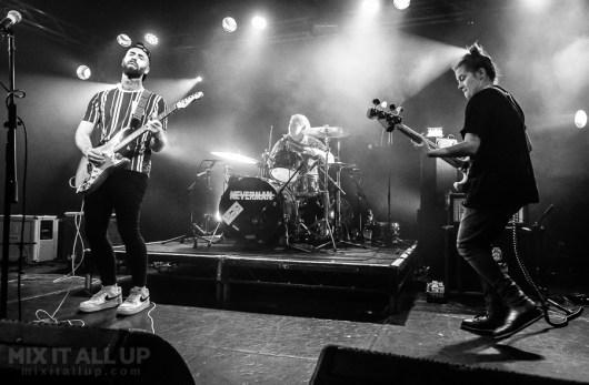 Hooli supporting Neverman live at Wedgewood Rooms, Portsmouth - 09/08/19