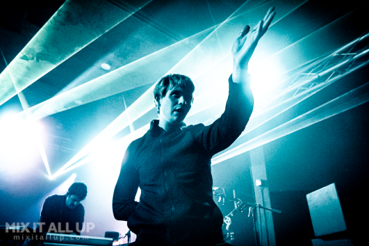 Paradise Club live at the Wedgewood Rooms, Portsmouth - 18/10/19