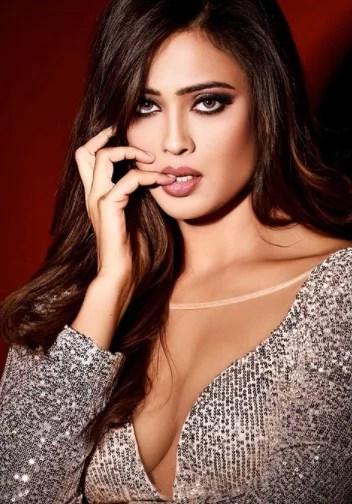 Shweta Tiwari's hot Photoshoot Breaks The Internet