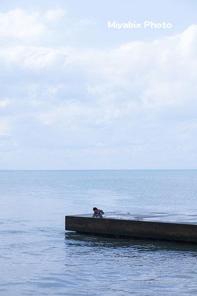 防波堤の子供,危険,合成写真