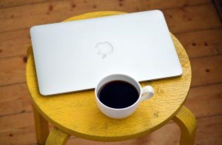 laptop-1367298_1920