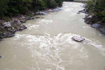 24日の落滝橋上流