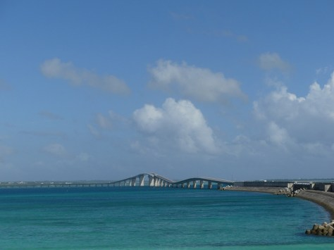 伊良部島側から見た伊良部大橋